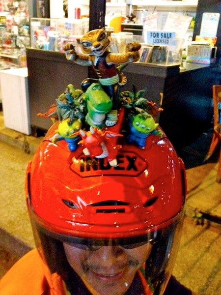 2012 07 02 moto helmet