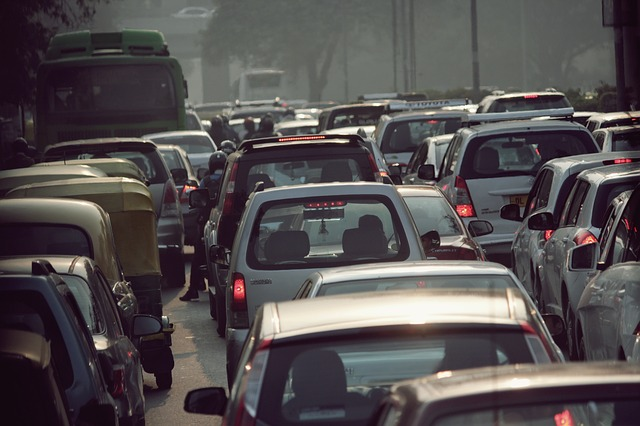 traffic-671399_640.jpg